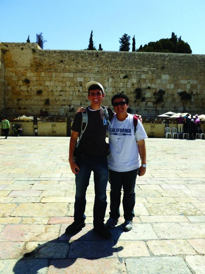 David Iken poses with Federico Zepeda (Kansas city) at the Western Wall
