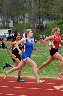 Photo of the Day: Girls Track