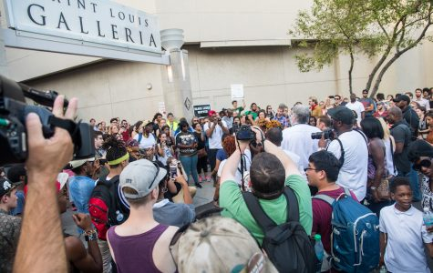 Featured Photos: Galleria Protest