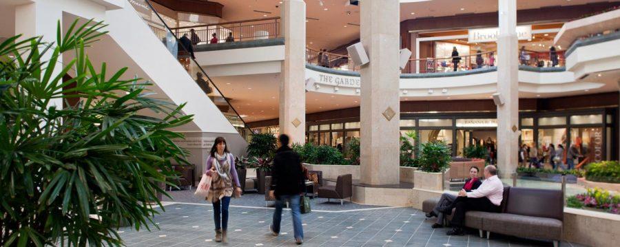 Photo captured inside the St. Louis Galleria Mall. https://www.ggp.com/properties/property-details/saint-louis-galleria.html