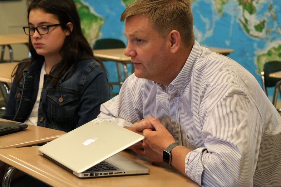 Dr. Hoelscher teaches his independent study history class to a group of students. Hoelscher also teaches AP World History, which will experience some significant curriculum changes next year.