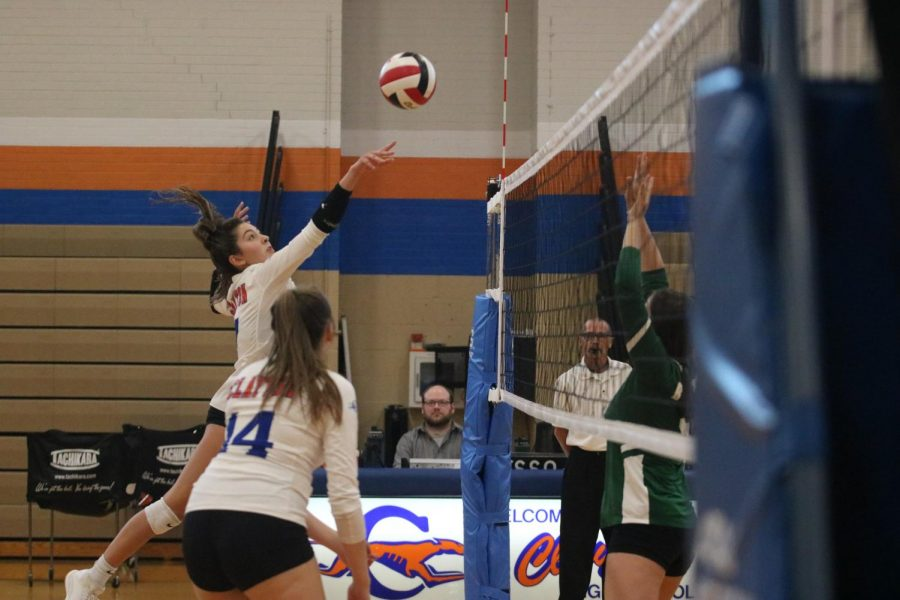 Clayton Girls Volleyball Team advances in Districts